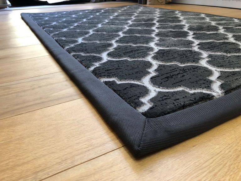 Carpet with Binded Edge